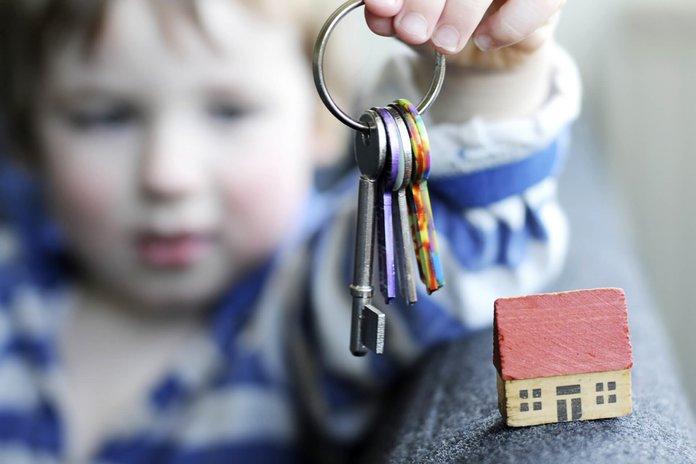 Выписка несовершеннолетнего из квартиры