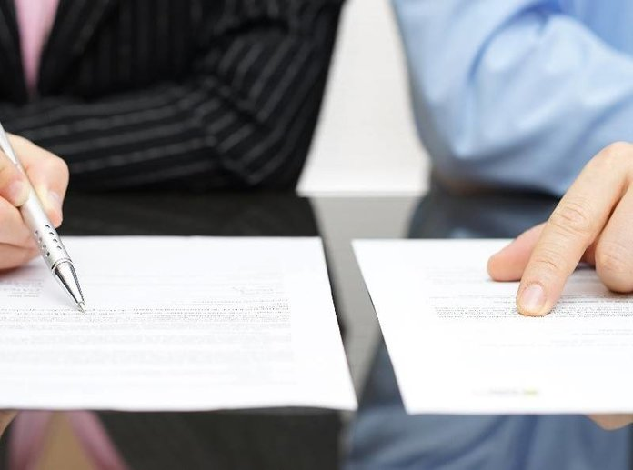 Подписание договора о найме жилого помещения
