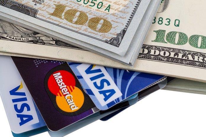 Кредитные карточки и наличные