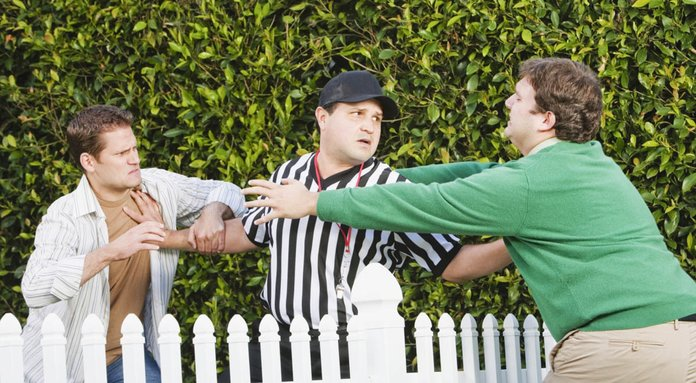 Ссора между соседями