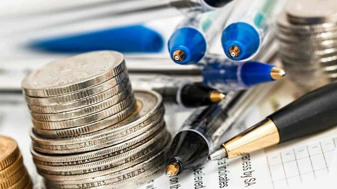Монеты и ручки