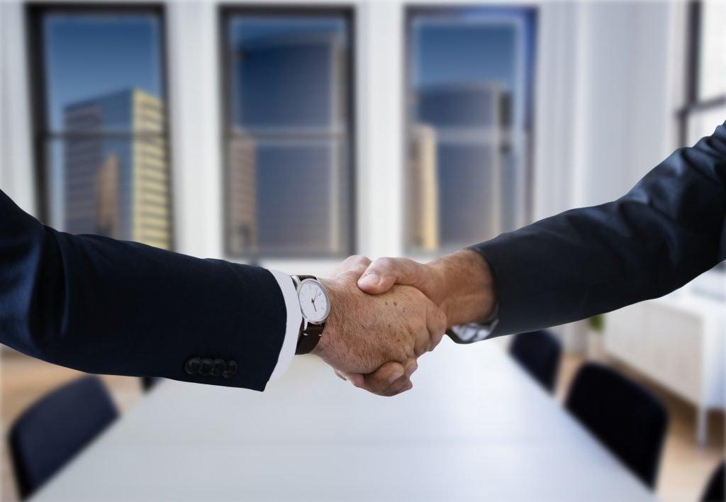Надо ли регистрировать договор аренды нежилого помещения