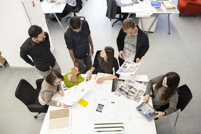 Собственник и проектировщики составляют документы планировки жилья